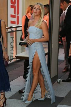 Julianne Hough Stock Pictures, Royalty-free Photos & Images Julianne Hough attends the Annual Celebration of Dance Gala presented by The Dizzy Feet Foundation on September 10 2016 in Los Angeles California Great Legs, Nice Legs, Julianne Hough Hot, Julianne Hough Dancing, Beautiful Legs, Gorgeous Women, Julienne Hough, Talons Sexy, Jolie Lingerie
