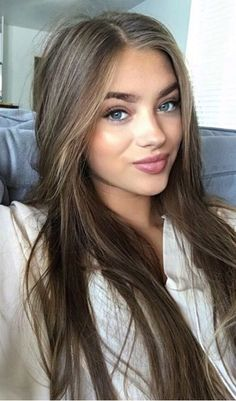bruin haar Universal Beauty And Make Up Tricks For Women Brown Hair Shades, Brown Ombre Hair, Brown Hair With Highlights, Light Brown Hair, Brown Hair Colors, Dark Hair, Dark Blonde, Light Brunette Hair, Brown Hair Girls