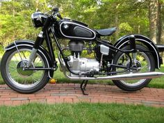 1958 BMW side Photo: restored by Jeff Lord. This Photo was uploaded by bmw_rider Harley Davidson Sportster, Custom Sportster, Bmw Motorcycles, Vintage Motorcycles, British Motorcycles, Bmw Vintage, Vintage Bikes, Bmw Classic Cars, Classic Bikes