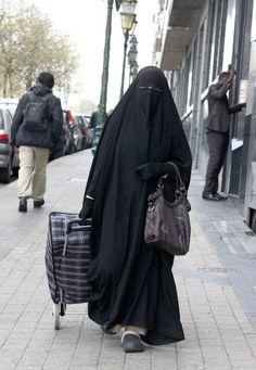 Burkaverbot im Überblick: Wo man sich in Europa nicht verschleiern darf - SPIEGEL ONLINE - Politik