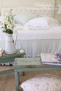 Benches In The Bedroom...Shabby Chic Style