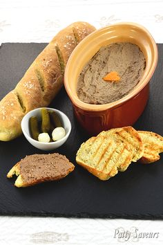 Luxury chicken liver pate recipe chicken livers are cooked with Port wine cognac and orange zest a gourmet and fine appetizer or starter! We love it spread on a slice of toasted bread and sprinkled with lots of black pepper! Best Appetizer Recipes, Make Ahead Appetizers, Yummy Appetizers, Pate Recipes, Liver Recipes, Cooking Recipes, Chicken Liver Pate, Chicken Livers, Jena