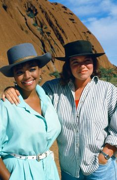 Natalie and Tootie in Australia Great Tv Shows, Old Tv Shows, Facts Of Life Cast, Lisa Whelchel, Charlotte Rae, Life Tv, Bombshell Beauty, Family Tv, Fact Families