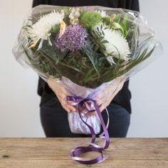 wrap a bouquet of flowers