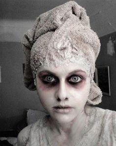Halloween Makeup : Ghost Make-Up Creepy Eyes Halloween This Year, Scary Halloween, Fall Halloween, Halloween Costumes, Halloween Face Makeup, Ghost Costumes, Halloween Clothes, Halloween Inspo, Halloween Stuff