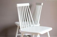 2 chaises vintage dans le style scandinave de Tapiovaara leshappyvintage.fr #pastel #scandinave #vintage