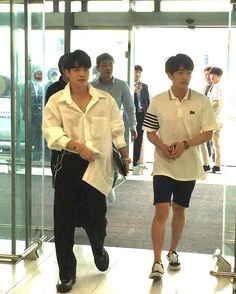 170618 SHINee Onew & Jonghyun at Gimpo International Airport today, heading to Jeju Island for SM Workshop