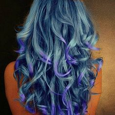 This is gorgeous. Multiple shades of blue and purple. Color. Colour. Dyed hair.