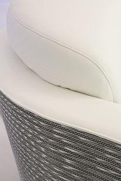 Dettaglio della poltrona Wendy in versione silver | design robertopamio+partners www.staygreen.it