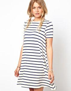 Bild 1 von ASOS – Gestreiftes Swing-Kleid