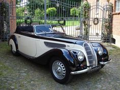 Looking for the BMW 327 of your dreams? There are currently 3 BMW 327 cars as well as thousands of other iconic classic and collectors cars for sale on Classic Driver. Bmw 327, Vintage Cars, Antique Cars, Automobile, Bmw Classic Cars, Collector Cars For Sale, Hot Rides, Sweet Cars, Bmw Cars