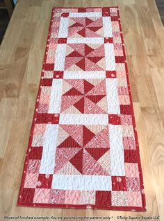 Peppermint Pinwheels Quilted Table Runner Pattern #566