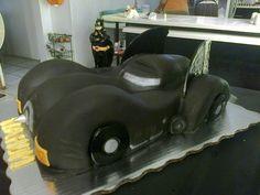 pastel Batimovil y batman de azucar