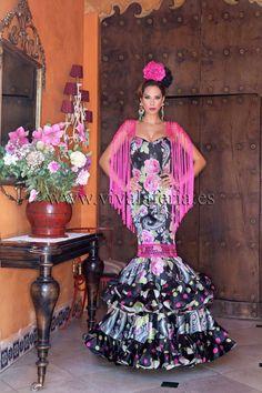 Spanish style – Mediterranean Home Decor Grad Dresses, Ball Gown Dresses, Dance Dresses, Cute Dresses, Beautiful Dresses, Flamenco Dresses, Spanish Dress, Spanish Style, Spanish Party