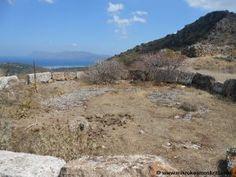 Polyrrìnia, Creta Grecia. Colline ondulate, piccoli paesi tranquilli, oliveti, resti di antiche civiltà si uniscono al meraviglioso panorama della baia di Kìssamos.