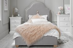 Purchase a Bella Upholstered Bed at Room To Grow. We offer price match availability on the Bella Upholstered Bed & free delivery available Beds Uk, New Beds, Girl Room, Girls Bedroom, Baby Room, Grey Velvet Bed, Unwanted Furniture, Cute Room Ideas, Luxury Bedroom Design