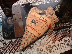 primitive valentine decor | The Twisted Stitcher: Primitive Valentine....