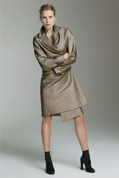 http://www.vanityfair.it/fashion/sfilate/sfilata/pe-15-pre-collezioni/agnona