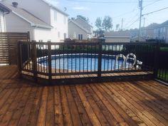 Depuis plus de 30 ans, nous aménageons des patios pour piscines hors terre, semi-creusées et creusées. Nous pouvons vous conseiller sur l'emplacement futur de votre piscine pour optimiser vos installations. Nous vous aidons aussi à prévoir des zones d'intimité pour votre projet en plus d'appliquer les règles de sécurité selon votre région ou selon vos... En savoir plus → Above Ground Pool Decks, In Ground Pools, Swimming Pools Backyard, Pool Landscaping, Decks Around Pools, Buy A Pool, Patio Steps, Backyard Projects, Backyard Ideas