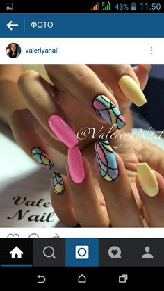 Neon shades are coming all along this year too, because of their so much popularity and bright look. The geometric nail art above is the great depiction. New Nail Art, Cool Nail Art, Bright Summer Nails, Gel Nagel Design, Geometric Nail Art, Nagellack Trends, Best Nail Art Designs, Nagel Gel, Nail Tutorials