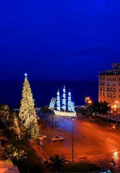 Aristotelous Sq wishing everyone a good one. Christmas In Greece, Greek Christmas, Christmas Night, Merry Christmas, Xmas, Greek Isles, Thessaloniki, Macedonia, Greece Travel