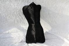 #Leseknochen #Kissen #Lesen #Reisen #schwarz #Pannesamt #Rückenstütze Hier ein Exemplar der Kollektion Leseknochen und Rückenstützen: dieses Mal Feincord schwarz uni, prall gefüllt mit ca. 200 g...