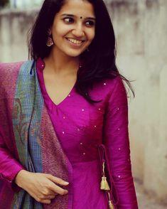 Latest kurti neckline designs - The handmade craft Salwar Neck Designs, Churidar Designs, Neck Designs For Suits, Kurta Neck Design, Neckline Designs, Dress Neck Designs, Kurta Designs Women, Kalamkari Dresses, Designer Anarkali Dresses