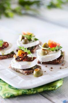 Sitruunaiset vuohenjuustopalat  http://www.pirkka.fi/ruoka/reseptit/110439-sitruunaiset-vuohenjuustopalat