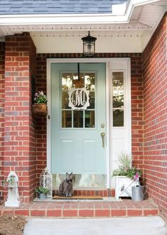 trendy front door colors with tan house stones black shutters Best Front Door Colors, Yellow Front Doors, Modern Front Door, House Front Door, Painted Front Doors, House With Porch, Modern Porch, Pintura Exterior, Small Front Porches