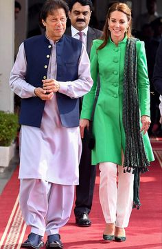 Kate Middleton's Pakistan Tour: All the Fashion, Photos – Footwear News