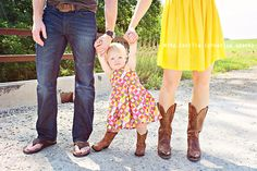 what to wear #colors #family #children #kids #poses #photography #boots