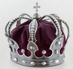 Iron crown forged from a captured cannon – Laurel Wreath İdeas. Royal Crowns, Royal Jewels, Crown Royal, Tiaras And Crowns, Crown Jewels, Hatoful Boyfriend, Crown Aesthetic, Kings Crown, Circlet