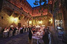Castello di Vincigliata - courtyard dinner