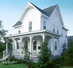 Folk Victorian House - large porches - square, symmetrical shape - low pitched, pyramid-shaped roof - spindlework or gingerbread Victorian Porch, Folk Victorian, Victorian Farmhouse, Victorian Cottage, Country Farmhouse Decor, White Farmhouse, Farmhouse Interior, Victorian Homes, Farmhouse Style