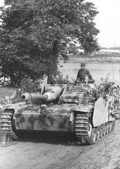 A StuG III assault gun #worldwar2 #tanks
