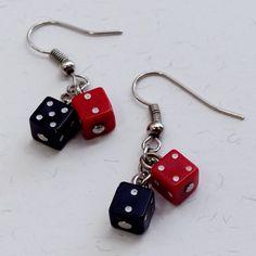Brincos Dadinho Preto e Vermelho - Little Black and Red Dice Earrings | Beat Bijou | Elo7