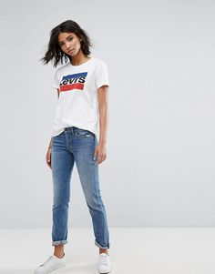 d356a32c308 Levis perfect t-shirt with vintage logo