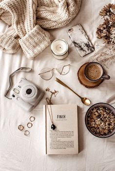 Source by evy_r__ - aesthetic Cozy Aesthetic, Brown Aesthetic, Autumn Aesthetic, Flat Lay Photography, Coffee Photography, Autumn Photography, Photography Aesthetic, Travel Photography, Book Flatlay