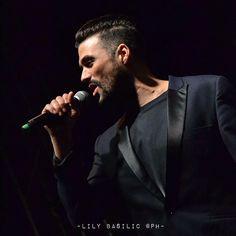 J'adore cette veste! #FlorentMothe #roiarthur #lalegendeduroiarthur #class #classy #beard #man #singer #music #french #black