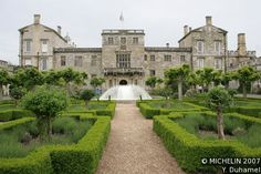 Wilton House comments on how friendly and welcoming the house is. I believe that…