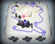 Gâteau chat et chien jouant avec pelotte de laine en fondant Cat and dog Cake in fondant
