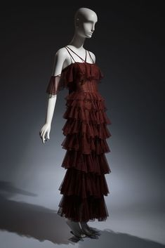 Jean Patou brown cotton tulle evening gown, circa 1932, Paris, lent by Beverley Birks. Copyright MFIT. Photo by Eileen Costa