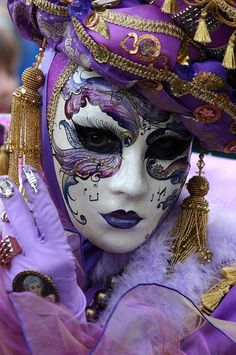Lady in purple with musical mask, Carnivale 2007, Venice.