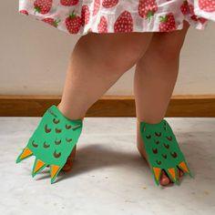 Dinosaur Art Projects, Dinosaur Crafts Kids, Dino Craft, Dinosaur Theme Preschool, Dinosaur Hat, Toddler Crafts, Preschool Dinosaur Crafts, Dinosaur Classroom, Toddler Themes