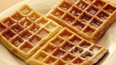 Waffle Nasıl Yapılır | Waffle Hamuru Tarifi Bu videomuz da sizler için Waffle tarifi hazırladık. Umarız beğenirsiniz videomuzu izleyebilir ve waffle nasıl yapılır detaylı olarak inceley...