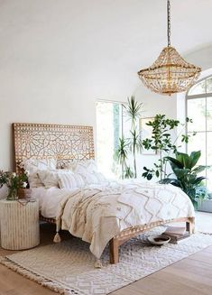 Boho Bedroom Decor has been growing in popularity with a lot of people for a reason. When it comes to decorating small spaces in your home, this design type is perfect for just about any type of room or space. Cheap Home Decor, Diy Home Decor, Natural Home Decor, Decoration Bedroom, Decor Room, Wall Decor, Decoration Design, Wall Art, Home Interior