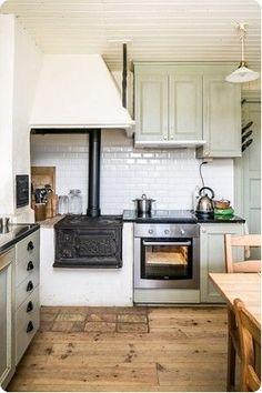 Swedish Kitchen, Cozy Kitchen, Rustic Kitchen, Country Kitchen, Kitchen Decor, Kitchen Interior, Interior Design Living Room, Küchen Design, House Design