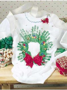 Let Me Give You A Hand Free Craft Pattern Of The Day From Freepatterns Preschool ShirtsPreschool IdeasPreschool ChristmasChristmas