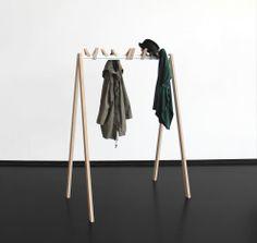 Bird in a Row / Christine Herold & Katharina Ganz