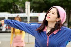 """Twice Likey"" Kamera arkası 📽 Nayeon, Kpop Girl Groups, Korean Girl Groups, Kpop Girls, Extended Play, Girl Day, My Girl, K Pop, Fancy"